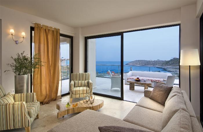Недвижимость на крите на берегу моря
